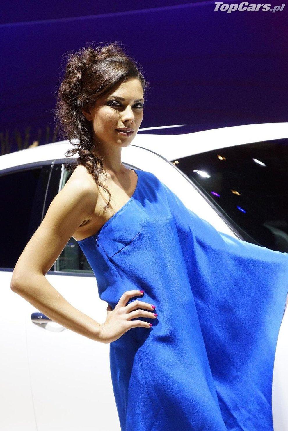 Geneva motor show 2012 dziewczyny 11